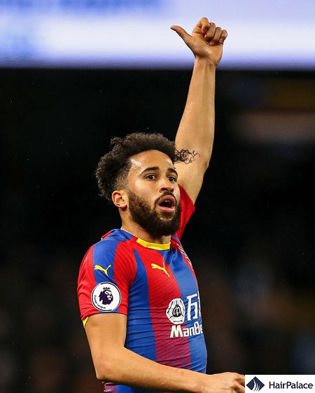 The dense hair of Andros Townsend